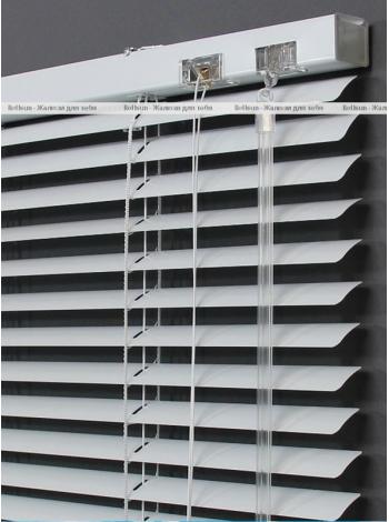 Алюминиевые горизонтальные жалюзи 25 мм